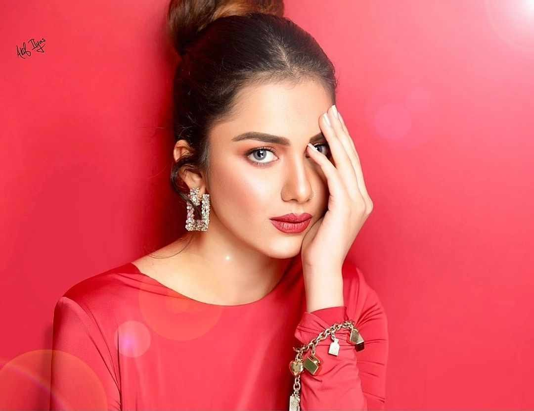Syeda Tuba Amir Beautiful Pictures