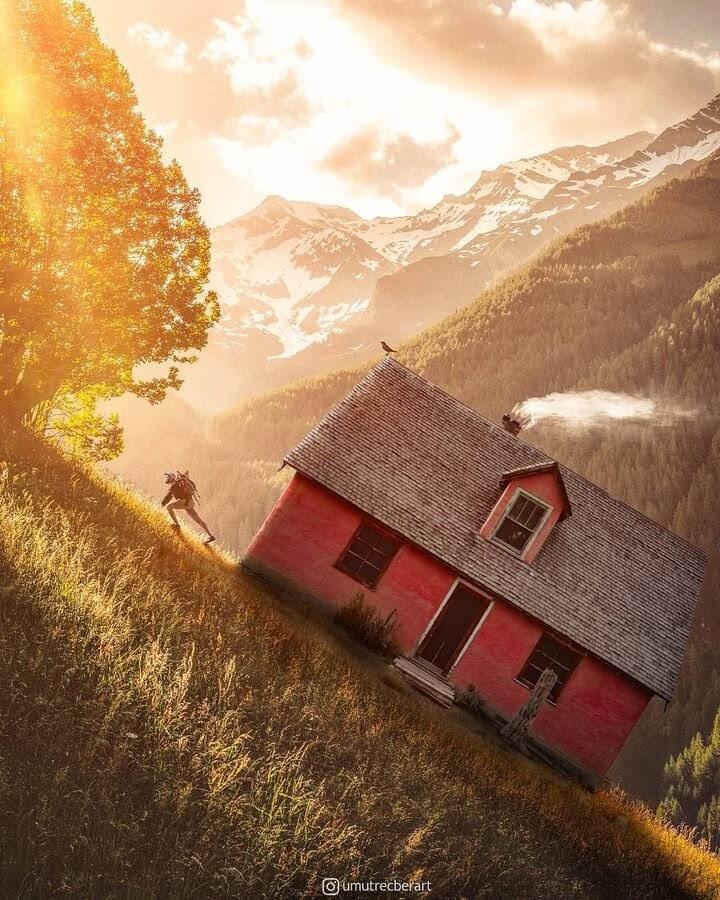 01-Moving-Home-Umut-Recber-www-designstack-co
