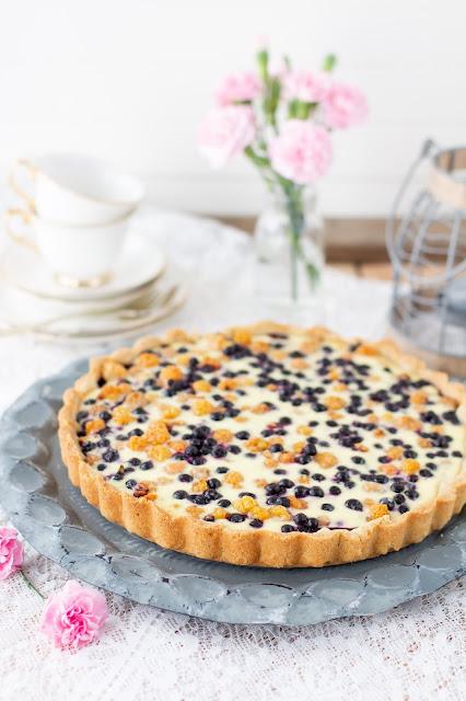 sweet tart wit berries
