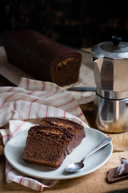 Cake au chocolat noir et croustillant cara crakine