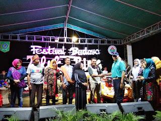 Lomba Bakar Ikan Bandeng, Vokasi Unram Juara 1, Disnakertrans Juara 2