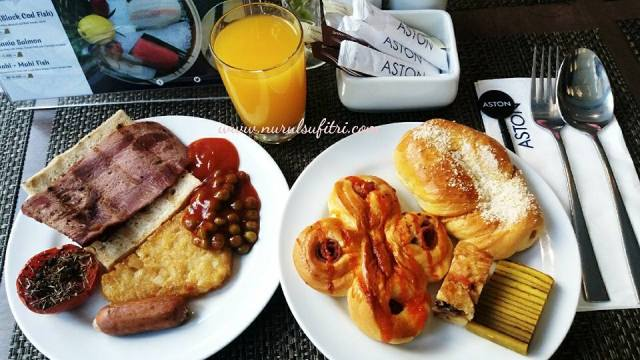 Sarapan ALa Buffet di Canary Coffee Shop Aston Hotel Simatupang