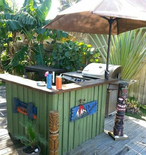 A Tiki Bar Made From Pallets. A Simple Sun Umbrella Takes The Place Of A