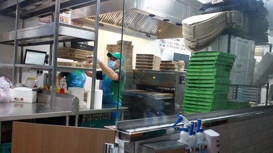 مطعم مايسترو بيتزا