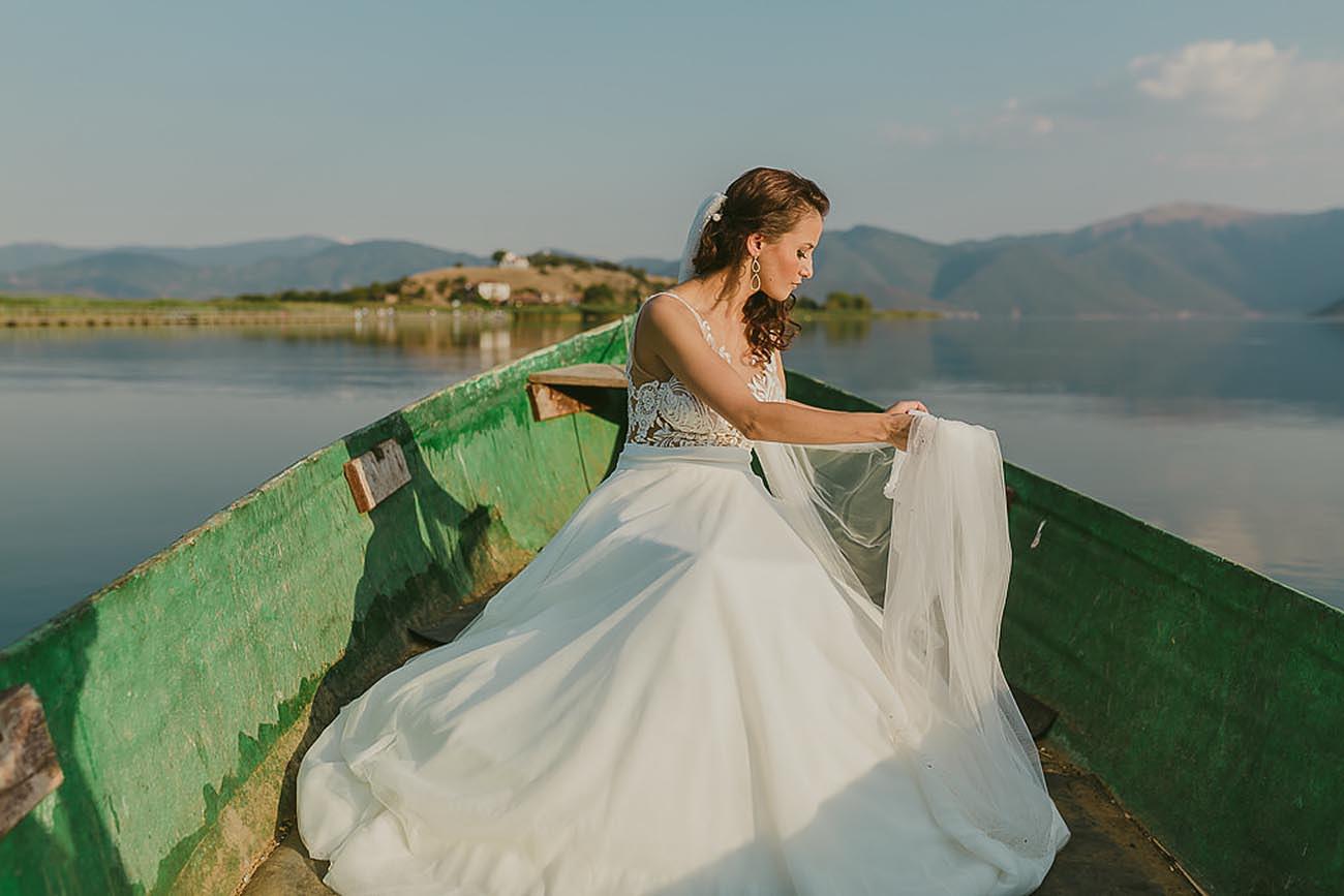 Μοντέρνος γάμος στις Πρέσπες