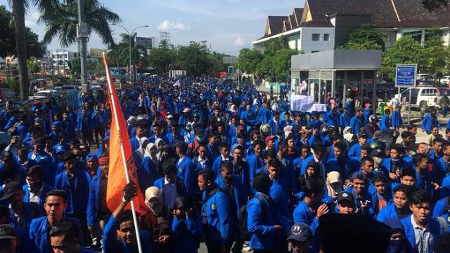 Mahasiswa Mulai Turun ke Jalan, Begini Komentar Warga Jakarta