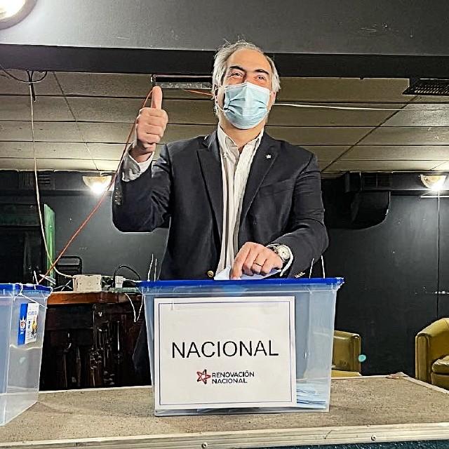 Francisco Chahuán derrotó a Mario Desbordes