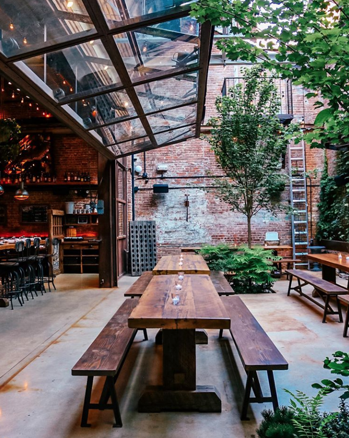 10 Spots to (Literally) Eat Out in New York