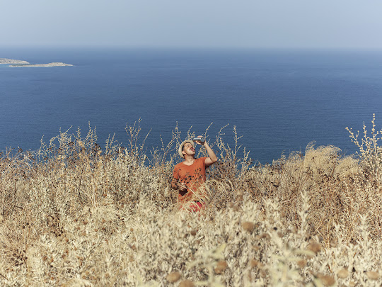Anti-postcards from Crete