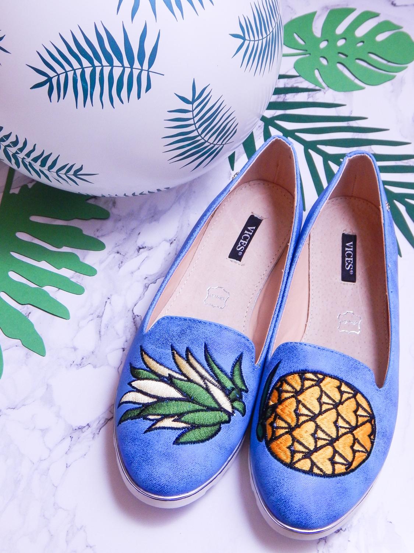 10 renee jasnoniebieskie mokasyny pineapple ananas buty obuwie renee obuwie damskie półbuty buty na wakacje wygodne z aplikacjami wyszywane vices recenzja partybox gadżety na stół urodzinowy