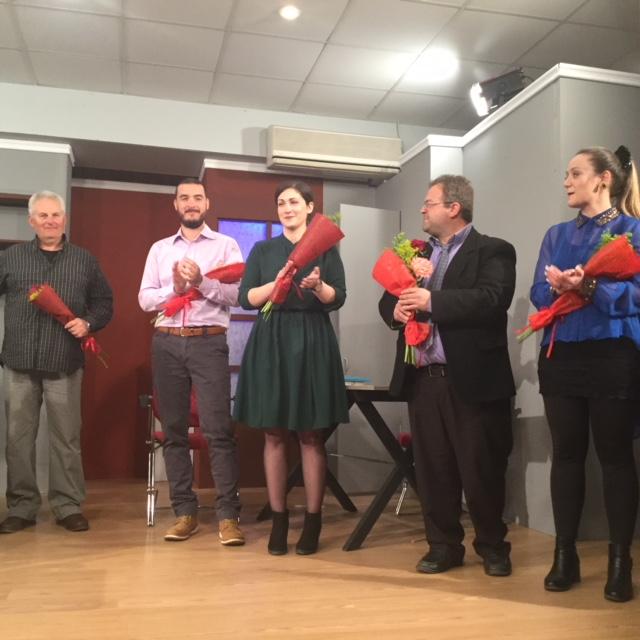 Ο Γιάννης Γκιόλας στη θεατρική παράσταση «Δείπνο ηλιθίων» από την θεατρική ομάδα «Καββαδίας» στο Λυγουριό