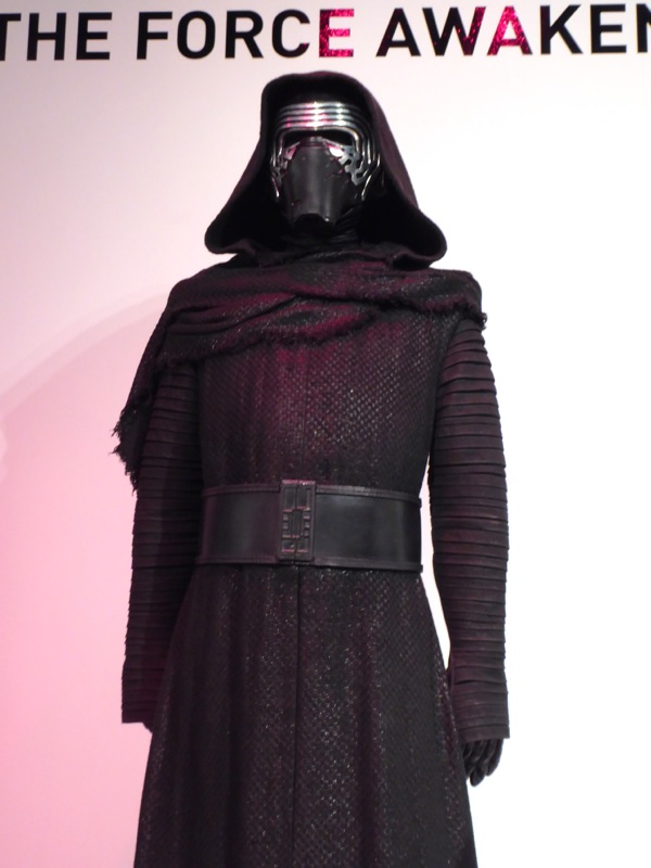 Kylo Ren film costume Star Wars Force Awakens