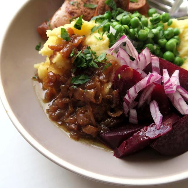 Leckere Zwiebelsauce ist der Star auf der Pü-Bowl | pastasciutta.de