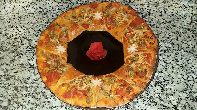 بيتزا بلمسة عصرية | الشكل و المذاق ممتاز