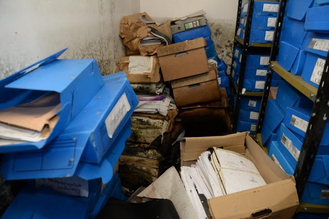 La desidia del macrismo: Encontraron carpetas de derechos humanos en un sótano inundado