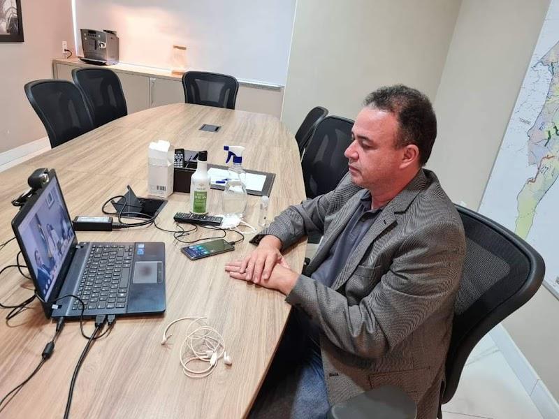 Erlânio Xavier participa de uma reunião virtual com o ministro da Saúde buscando garantir mais vacinas para a população.