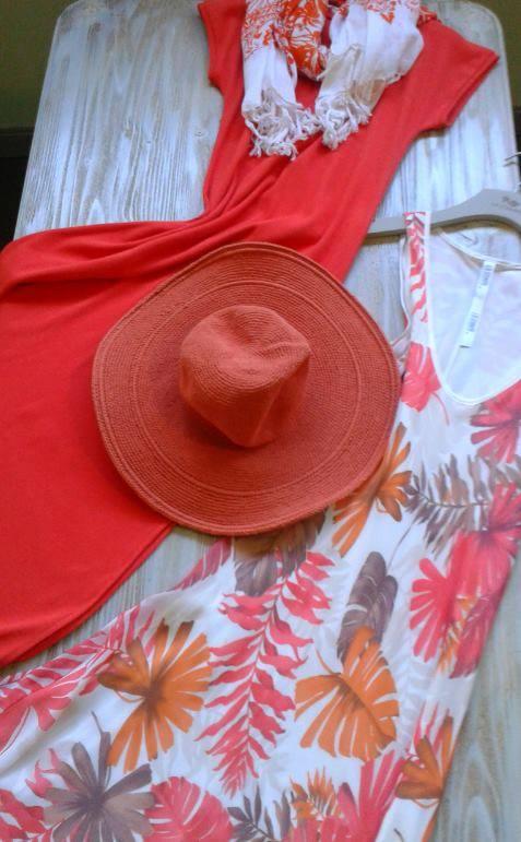 La Stampa...Καλοκαίρι, χρώματα, βόλτες, αρώματα Μόδας!