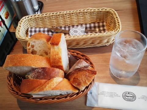 窯だしパン食べ放題¥346 神戸屋ダイニング星が丘テラス店