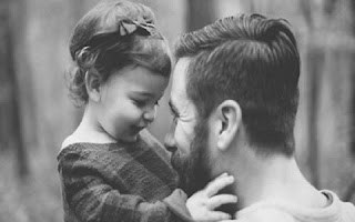 Ciência confirma: O pai é insubstituível na formação da criança. O pai é fundamental na formação da personalidade da criança, e como ela desenvolverá diversas características até a idade adulta. As crianças sentem a rejeição como se ela realmente fosse uma dor física.