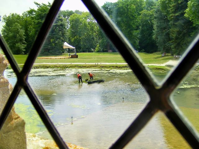 Pond at the Chateau of Azay le Rideau, Indre et Loire, France. Photo by Loire Valley Time Travel.
