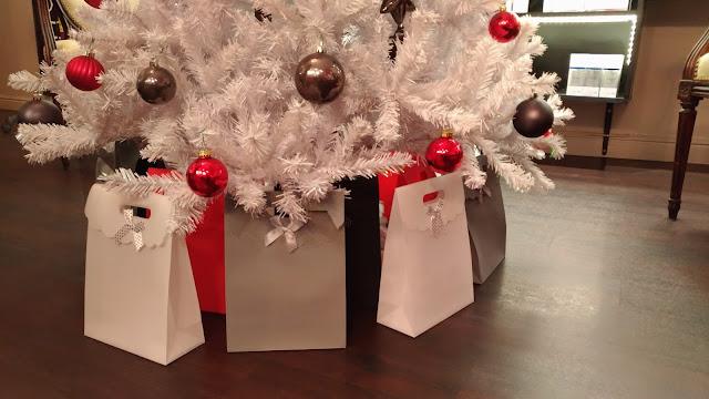 Nos pochettes cadeaux à composer selon vos envies, votre budget et vos besoins.