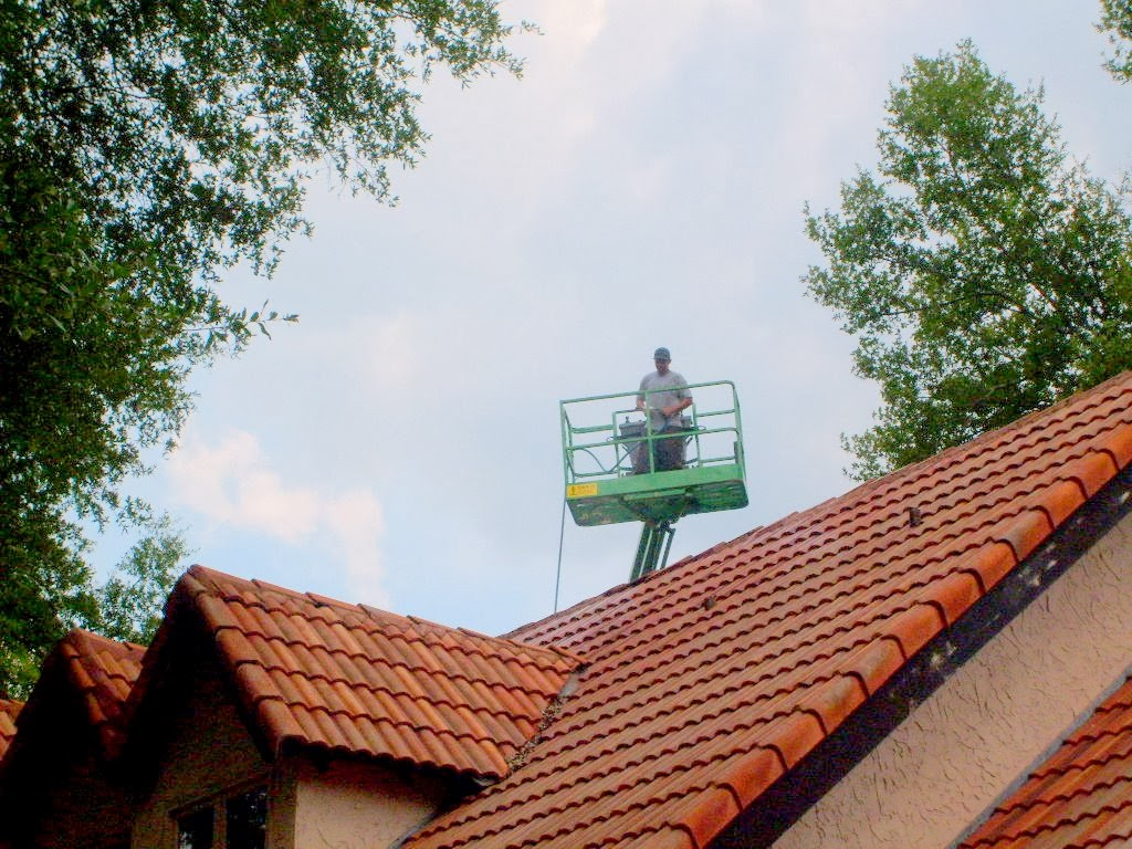 Cleaning Steep Tile And Shingle Roofs In Tampa Apple