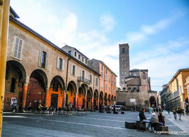 Piazza Verdi, o coração do bairro universitário de Bolonha