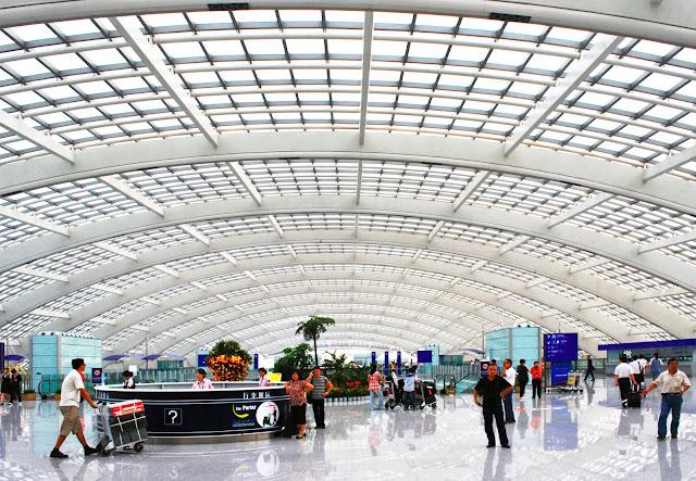 http://klaus-lehnert-fotografie.blogspot.de/2013/01/beijing-airport.html