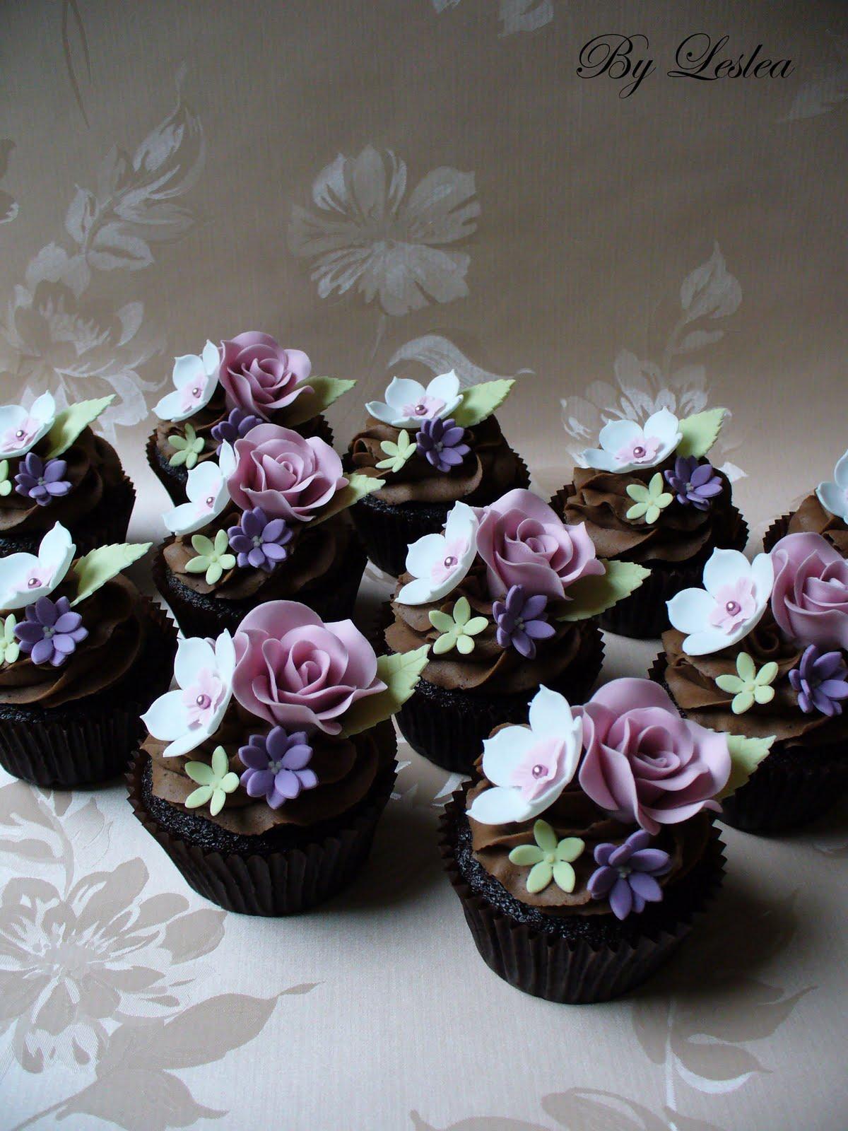 Leslea Matsis Cakes Rose Cupcakes