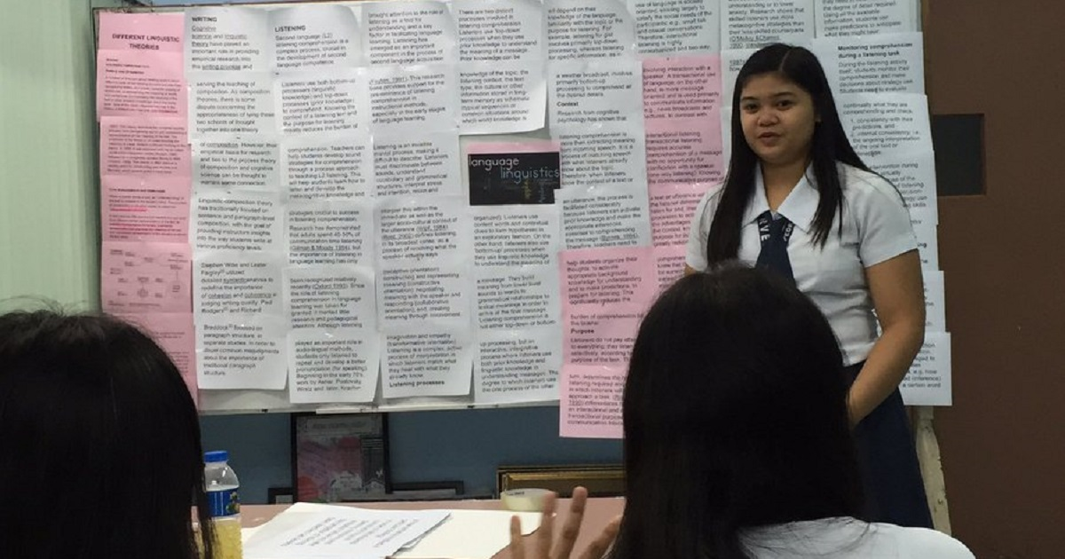 Student with no laptop earns praises online with her 'PowerPoint presentation'
