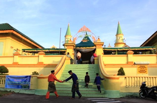 Masjid Sultan Riau Lingga Pulau Penyengat