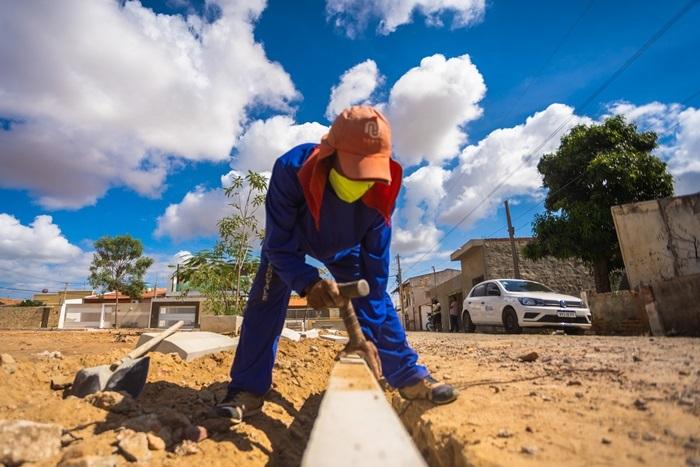 Prefeitura de Juazeiro investe na construção de praças no bairro Castelo Branco - Portal Spy Notícias de Juazeiro e Petrolina