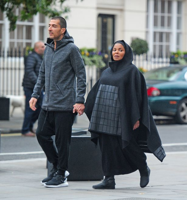 PAY-Heavily-pregnant-Janet-Jackson