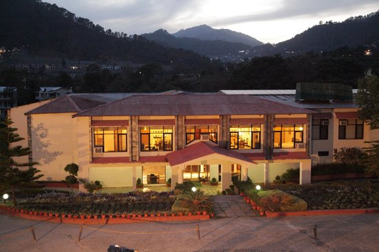 Country Inn Bhimtal, Uttarakhand, is a wonderful property to accommodate.