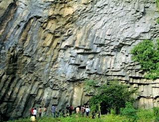 Wisata Batu Dinding Kilo 45 Balikpapan