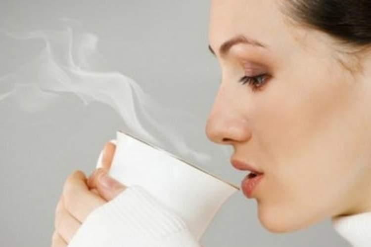 Hal Ini Akan Terjadi Jika Kamu Minum Air Hangat di Pagi Hari
