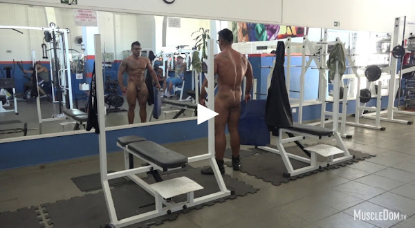 #MuscleDom - Julius in the gym