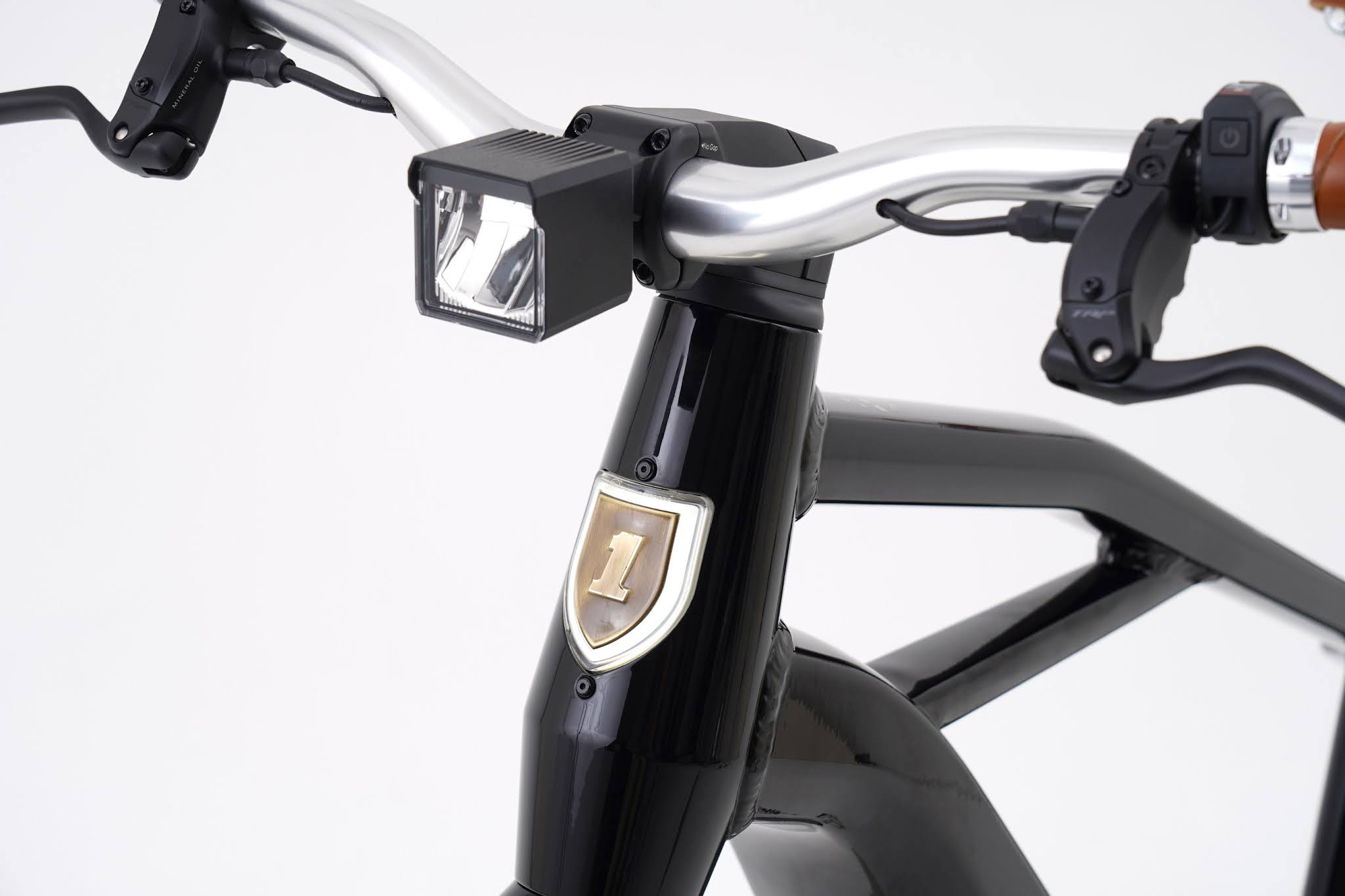 Serial 1 Debuts Limited-edition MOSH/TRIBUTE eBike, First in S1 series