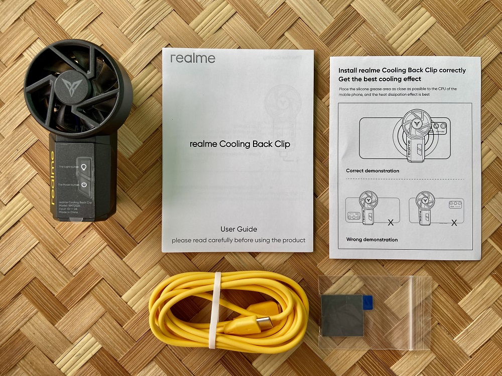 realme Cooling Back Clip Inside the Box