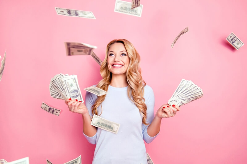 Como as mulheres podem alcançar independência financeira