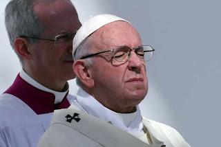 Papa diz que críticos da igreja são 'amigos do demônio'