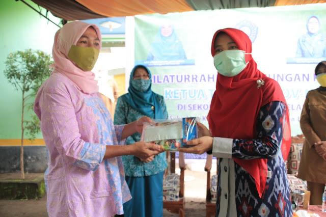 Hj.niken berkunjung ke Lombok Utara