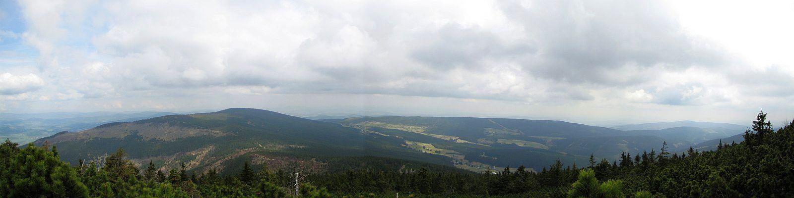 Panorama z Czarnej Kopy na Grzbiet Kowarski i Lasocki Grzbiet.