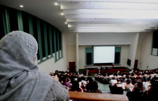 Le professeur du dossier 'Sex for Points' à l'université de Settat sort de son silence