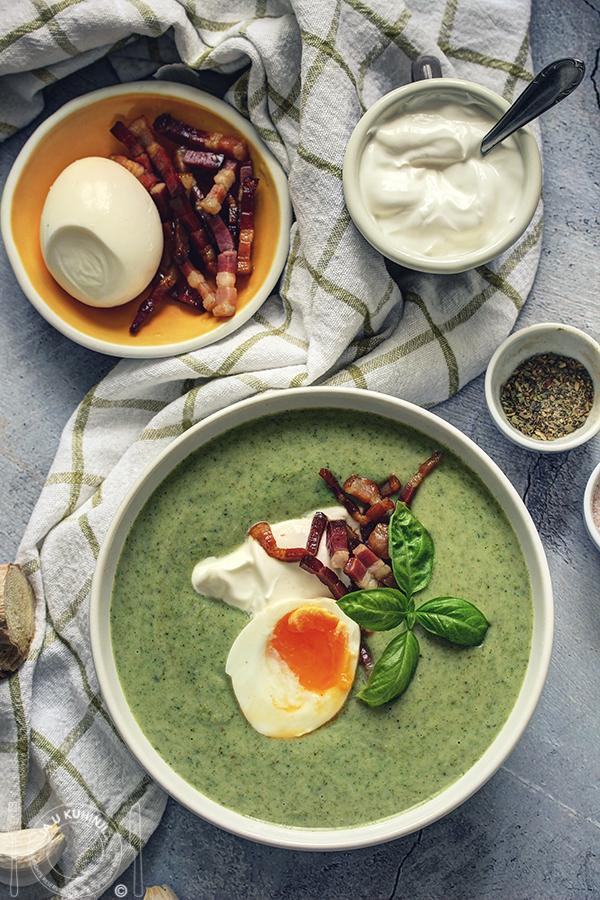 Brokoli potaž sa rovitim jajima