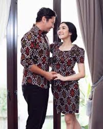 Contoh Model Baju Batik Couple