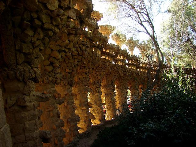 Ciekawe konstrukcje w Parc Güell