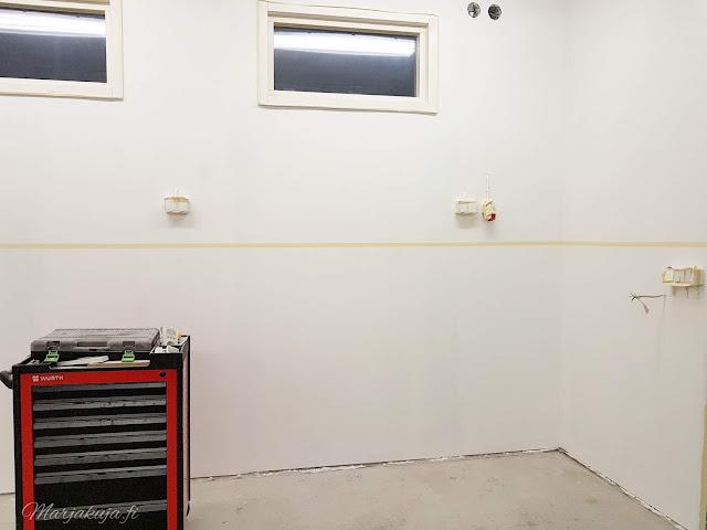 autotalli remontti maalaus sisäpinnat uusiksi muutos remontointi wurth