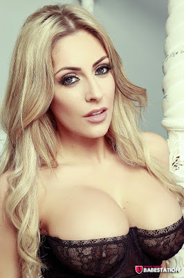 Ashley Emma sexy big boobs cleavage hot