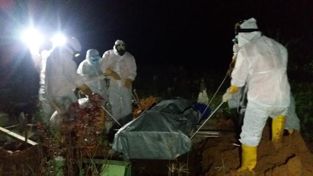 Polsek Kualuh Hulu Kawal Pemakaman Pasien Covid-19